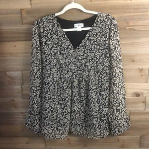 ❤️Motherhood Maternity Black/Grey Blouse Size XL❤️